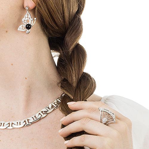 conjunto-anillo-aros-cadena-plata-producto-con-modelo